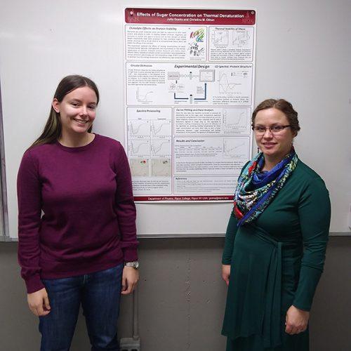 Julia Goeks '21, left, and Christina Othon