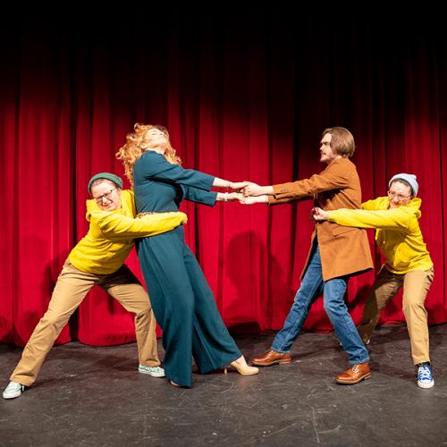 Cast rehearses 'Comedy of Errors'